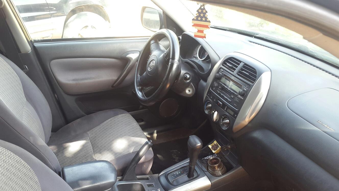 Toyota RAV-4, automatique, année 2005